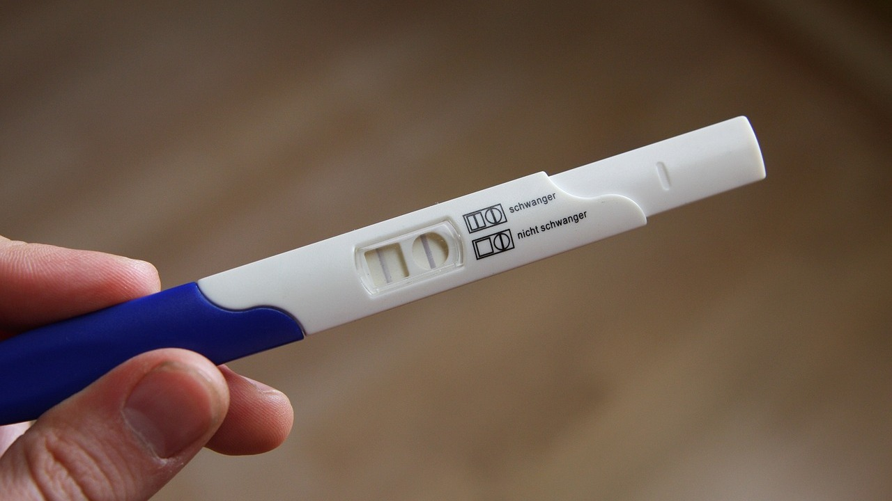 Use pregnancy test kit at home